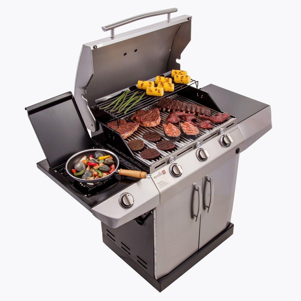 На газовом гриле удобно готовить овощи и мясо
